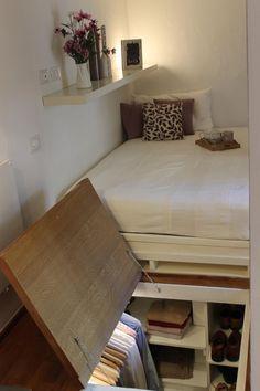 【スペース有効活用】高床ベッドの下のクローゼット