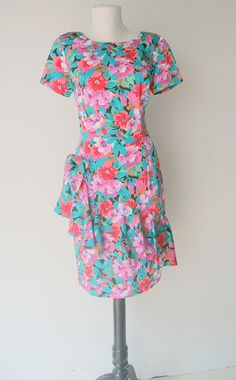 Vintage 1980s Floral Ruffled Short Sleeved Shift by hipandvintage