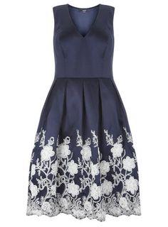 **Chi Chi London Curve V neck skater dress