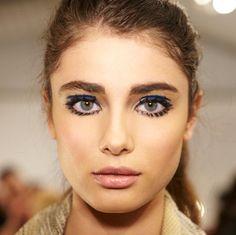 Google-Ergebnis für http://makeupforlife.net/wp-content/uploads/2012/02/60s-rock-n-roll-makeup-lamb-fall-2012.jpg