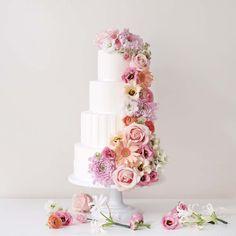 Sugarlips Cakes || White Wedding Cake with Fresh Flowers