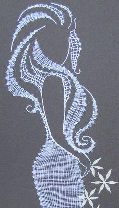 paličkovaná krajka podvinky - Recherche Google Irish Crochet, Crochet Lace, Macrame Wall Hanging Diy, Romanian Lace, Nail String Art, Bobbin Lace Patterns, Lacemaking, Thread Art, Needle Lace