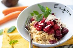 Rozmarínové pšeno s dusenou mrkvou, červenou repou a parmezánom Tofu, Smoothie, Oatmeal, Food And Drink, Low Carb, Vegan, Breakfast, Recipes, The Oatmeal