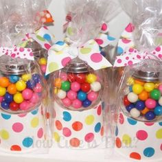 mini gumball machine What a great gift for a tween or teenager! How Cute is That?