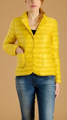 MONCLER Yellow padded Leyla jacket in downproof nylon featuring horizontal quilted, two patch pockets at front, snap fastening, notch lapel, patch Moncler logo, 100% polyamide.
