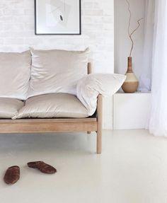 Het wabi sabi-ontwerp - alles over de nieuwe trend van deco om te adopteren! Minimalist Home Interior, Minimalist Living, Wabi Sabi, Home Renovation, Interior Styling, Interior Decorating, Decorating Games, Living Room Designs, Living Spaces