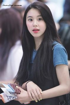 Twice-Chaeyoung 180524 Gimpo Airport Nayeon, Kpop Girl Groups, Korean Girl Groups, Kpop Girls, Chaeyoung Twice, Dahyun, Fandoms, Twice Once, One In A Million