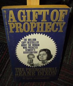 A GIFT OF PROPHECY BY RUTH MONTGOMERY, 1966 PAPERBACK BANTAM EDITION, GUC