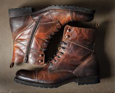 Shoes With Jeans, Jeans And Boots, Mens Short Boots, Tanker Boots, Bike Boots, Mens Boots Fashion, Herren Outfit, Aldo Boots Mens, Leather Boots For Men