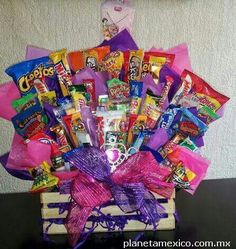 Cookie Bouquet, Candy Bouquet, Birthday Box, Birthday Gifts, Craft Gifts, Diy Gifts, Candy Arrangements, Chocolate Crafts, Candy Buffet Tables