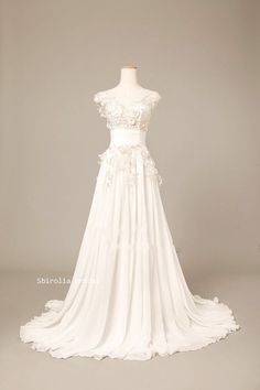 Retro V neck lace wedding gown/ Vintage  Bridal wedding dress / wedding gown/ princess style  Wedding Dress on Etsy, $289.00