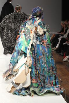 Lives and works in NewYork. Planet Dresses, Recycle Art, Parsons School Of Design, Central Saint Martins, Fast Fashion, Uniqlo, Mental Health, Editorial, Kimono Top