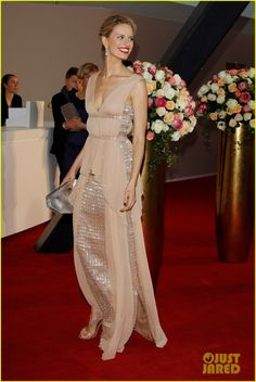 Karolina Kurkova.  Vionnet nude silk cady and silk georgette gown.