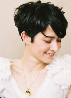 Impressive Short Hair Styles: Great Hair Colors for Short Hair Cute Hairstyles For Short Hair, Pretty Hairstyles, Short Hair Cuts, Wavy Hairstyles, Short Wavy, Hairstyle Ideas, Stylish Hairstyles, Short Layers, Style Hairstyle
