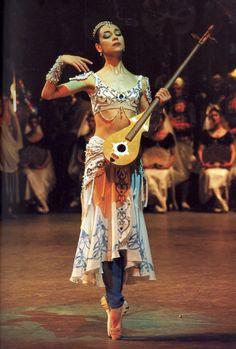 """<<Daria Pavlenko (Mariinsky Ballet) as Nikiya in """"La Bayadére"""">>"""