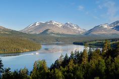 lake Atna and the Rondane massif seen from the Harald Sohlberg lookout spot