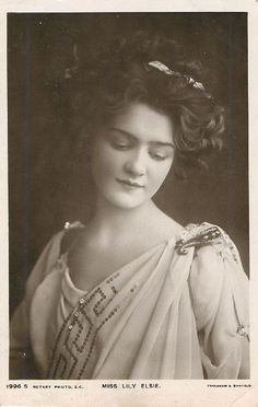 Miss Lily Elsie Postcard Vintage Pictures, Old Pictures, Vintage Images, Old Photos, Lily Elsie, Belle Epoch, Victorian Photos, Old Photography, Gibson Girl