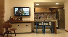 Apartamento bem localizado, próximo à caixas eletrônicos, academia de ginástica, supermercado, entre outros atrativos.  Veja mais aqui - http://www.imoveisbrasilbahia.com.br/praia-do-forte-apartamento-terreo-com-2-suites-a-venda