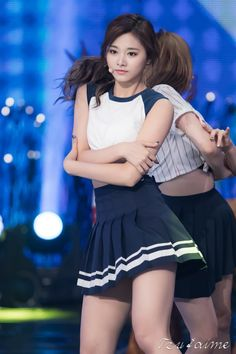 dedicated to female kpop idols. Cute Asian Girls, Beautiful Asian Girls, Cute Girls, Kpop Girl Groups, Korean Girl Groups, Kpop Girls, Korean Beauty, Asian Beauty, Tzuyu Body
