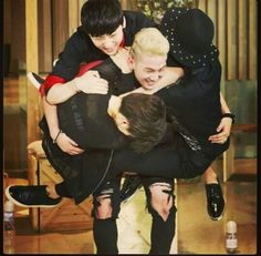 NU'EST Baekho showing off his strength. This is so cute!
