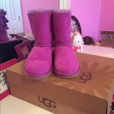 $205 Authentic UGG Bailey bow boots Brand new never worn.Woman size 6.Authentic UGG boots.Super warm and cute.Price is firm. UGG Shoes Winter & Rain Boots