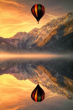Phenomenal Reflection Pictures of hot air balloon on Water Reflection Photography, Amazing Photography, Landscape Photography, Photography Sky, Air Balloon Rides, Hot Air Balloon, Cool Pictures, Cool Photos, Beautiful Pictures