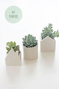 DIY Planters  DIY: HANDMADE CLAY POTS Tutorial here : http://sayyestohoboken.com/2012/04/diy-handmade-clay-pots.html