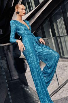 Naeem Khan Spring 2021 Ready-to-Wear collection, runway looks, beauty, models, and reviews. Naeem Khan, Fashion News, Fashion Show, Dress Fashion, Sequin Jumpsuit, Vogue India, Models, Vogue Paris, Mannequins