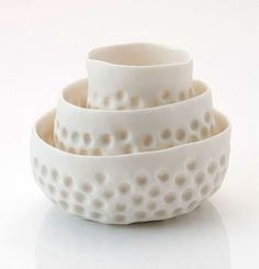 Vicki Grima, Cool Ice porcelain bowls, I& very taken by these porcel. Clay Pinch Pots, Ceramic Pinch Pots, Ceramic Clay, Porcelain Ceramics, Ceramic Vase, Pottery Bowls, Ceramic Pottery, Pottery Art, Thrown Pottery
