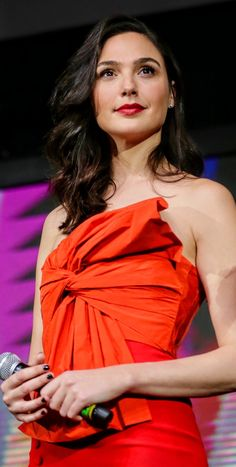 Female Actresses, Hot Actresses, Gal Gadot Style, Petty Girl, Gal Gardot, Pinterest Girls, Gal Gadot Wonder Woman, Brunette Beauty, Beautiful Celebrities