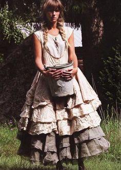 mori girl looks like a farmgirl princess Moda Lolita, Lolita Mode, Mori Girl Fashion, Lolita Fashion, High Fashion, Bohemian Mode, Bohemian Style, Boho Chic, Bohemian Fashion