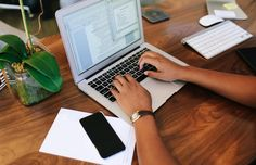 Procrastination is a debilitating habit. Get efficient with these six time-saving apps.