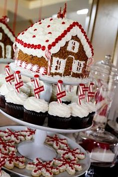 Gingerbread House and cute cupcakes