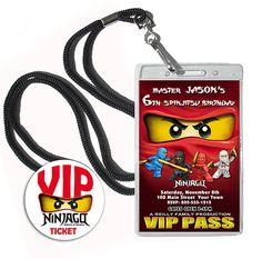 Ninjago Geburtstag Einladung gedruckt 12 VIP-Stil komplett mit Abzeichen Fällen, Schwenk-Schlüsselbänder, Umschläge & VIP-Umschlag-Aufkleber