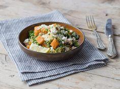 Quinoa-Pilaf mit Grünkohl und Süßkartoffeln