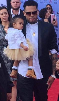 Chris Brown and his daughter at the Billboard Awards! Awwww!  ‪#‎BillboardAwards‬  http://newbornarrival.org/