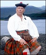 Julian Fellowes - I knew him first from Monarch of the Glen… Kilwillie! British Comedy, British Actors, Monarch Of The Glen, The Glenn, Julian Fellowes, Comedy Tv Shows, Kilts, Downton Abbey, Tartan