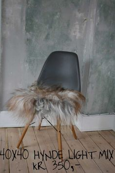 Islandske Lammeskind - stolehynder Eames, Chair, Furniture, Home Decor, Decoration Home, Room Decor, Home Furnishings, Stool, Home Interior Design