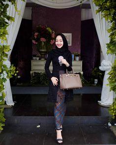 Inspired by @ayangfitri Kebaya Lace, Kebaya Dress, Batik Kebaya, Dress Pesta, Batik Dress, Kebaya Modern Hijab, Kebaya Hijab, Kebaya Muslim, Muslim Fashion
