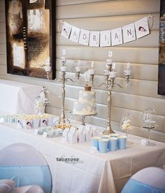 Dessertbord til barnedåp - i lyseblått, tema luftballong Boys 1st Birthday Party Ideas, 1st Boy Birthday, Christening Decorations, Diy Party Supplies, Baby Boy Fashion, Holidays And Events, Diy And Crafts, Birthdays, Place Card Holders