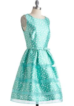 Rosé Bubbly Dress in Mint