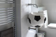 Colorful bathroom with a soccer sink - Orizzonte Latino Handbasin/ Meridiana Ceramiche Bathroom Colors, Colorful Bathroom, Family Bathroom, Amazing Bathrooms, Toilet, Sink, Cleaning, Football Soccer, Design