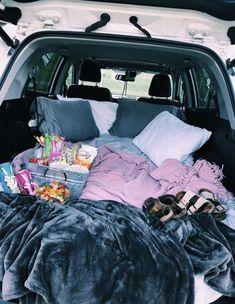 Super car camping date 15 Ideas Funny Friend Pictures, Funny Friends, Zelt Camping, Fun Sleepover Ideas, Teen Sleepover, Dream Dates, Cute Date Ideas, Beach Camping, Camping List
