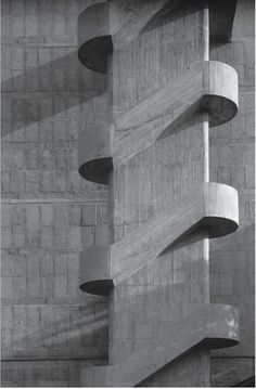 ▷ 1001 + Ideas for Brutalist Architecture Around The World in 70 + Images symmetrical concrete staircase, in front of a wall, covered in concrete tiles, brutalist architecture, black and white art photography Architecture Minecraft, Concrete Architecture, Concrete Building, Interior Architecture, Staircase Architecture, Drawing Architecture, Architecture Graphics, Le Corbusier Architecture, Concrete Staircase