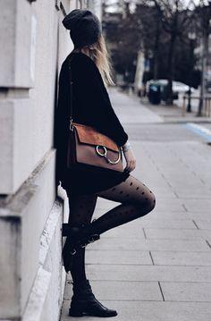 Black winter ! #winterstyle #ootd #chloe Chloé Bag, Winter Fashion, Classy, Shoulder Bag, Totalement, Bags, Style, Chloe Bag, Winter