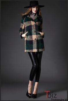 9 mẫu áo khoác dạ kẻ cực chất cho bạn gái cá tính