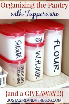 Organization of the pantry with Tupperware Great tips for organizing a small pantry! {and a Tupperware giveaway! Organisation Hacks, Office Desk Organization, Small Pantry Organization, Pantry Ideas, Organizing Ideas, Organize Small Pantry, Small Apartment Organization, Tupperware Organizing, Tupperware Storage