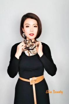 Ways To Tie Scarves, Ways To Wear A Scarf, How To Wear Scarves, Scarf Knots, Tie A Scarf, Square Scarf Tying, Scarf Wearing Styles, Scarf Styles, Diy Belt For Dresses
