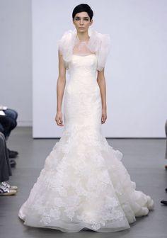 Lace Bridal Dresses: Vera Wang   Weddingbells.ca