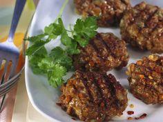 Gegrillte Linsenpflanzerl ist ein Rezept mit frischen Zutaten aus der Kategorie Hülsenfrüchte. Probieren Sie dieses und weitere Rezepte von EAT SMARTER!